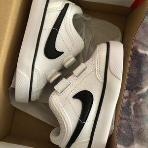 Nike Shoes - Nike Capri 3 LTR infant shoe